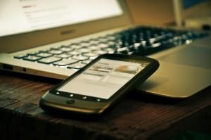 Pela primeira vez na história, os smartphones se tornaram o principal meio através do qual as pessoas acessam a internet no Brasil